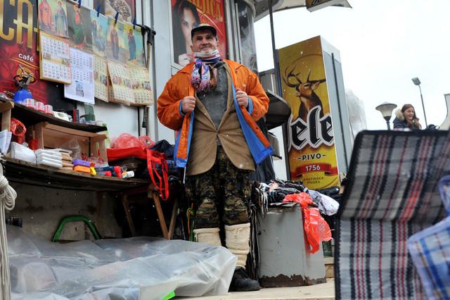Srbija preživljava trgujući na užičkoj pijaci