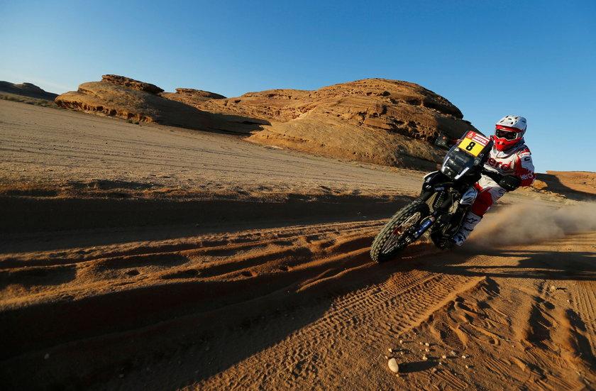 Organizatorzy Rajdu Dakar, po konsultacji z zawodnikami, odwołali poniedziałkowy etap dla motocyklistów i zawodników jadących quadami