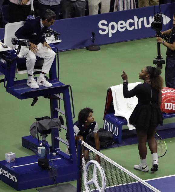 Serena Vilijams u svađi sa sudijom Karlosom Ramosom
