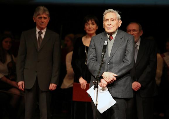 Vladeta Jerotić na dodeli nagrade u Narodnom pozorištu