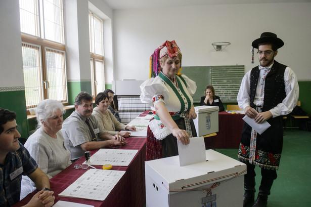 Wybory parlamentarne na Węgrzech. Fot. EPA/PETER KOMKA/PAP/EPA