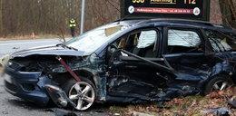 Pijany kierowca toyoty staranował forda