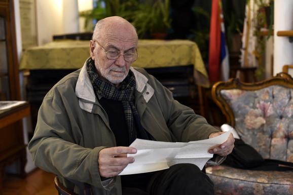 Ivan Ivanovć čita pismo Borislava Pekića u