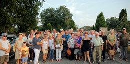 Mieszkańcy Brzezin czekają na reakcję abp. Grzegorza Rysia