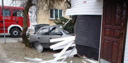 Kierowca wjechał w sklep!