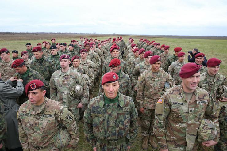 Vojna vezba padobranci foto goran srdanov (33)