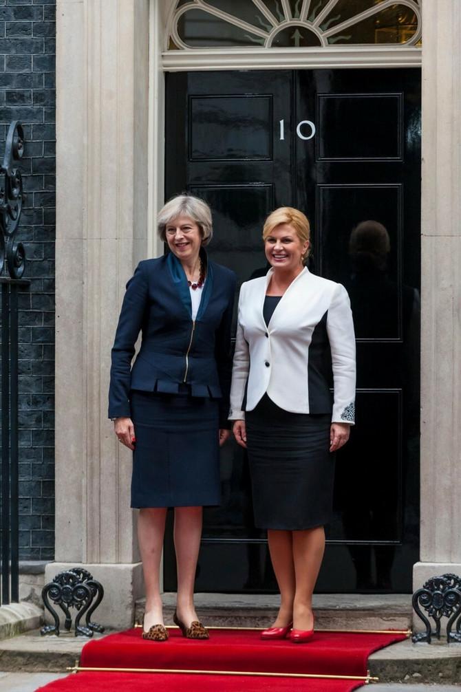Sa bivšom premijerkom Velike Britanije Terezom Mej 2016. u Londonu