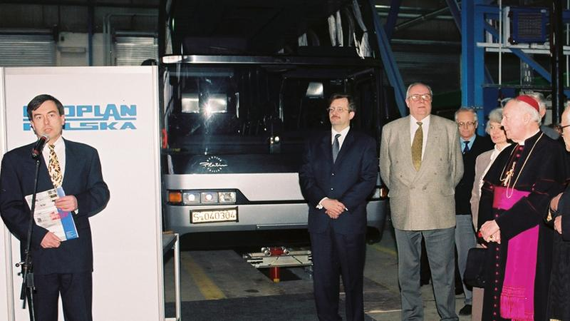 1996 - Uroczyste przekazanie pierwszego autobusu władzom Poznania
