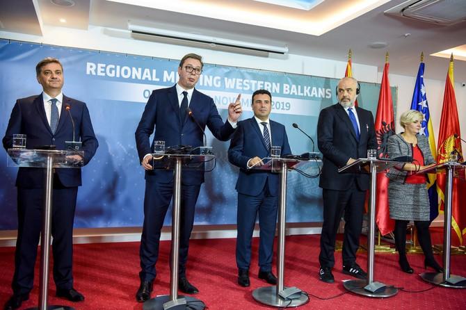Edi Rama u patikama na konferenciji lidera Zapadnog Balkana