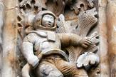 Skulptura astronauta na katedrali u Salamanki