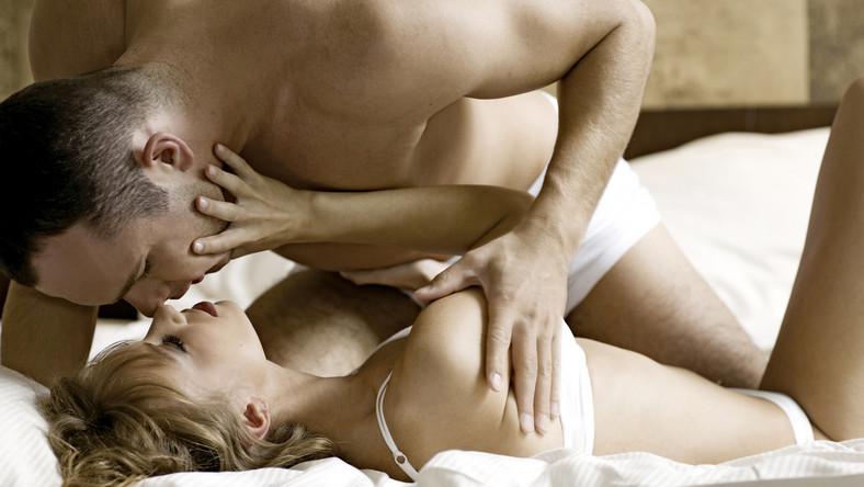 Człowiek robi Sex oralny