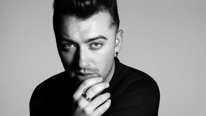 "Sam Smith śpiewa ""Writing's on the Wall"" dla Jamesa Bonda"