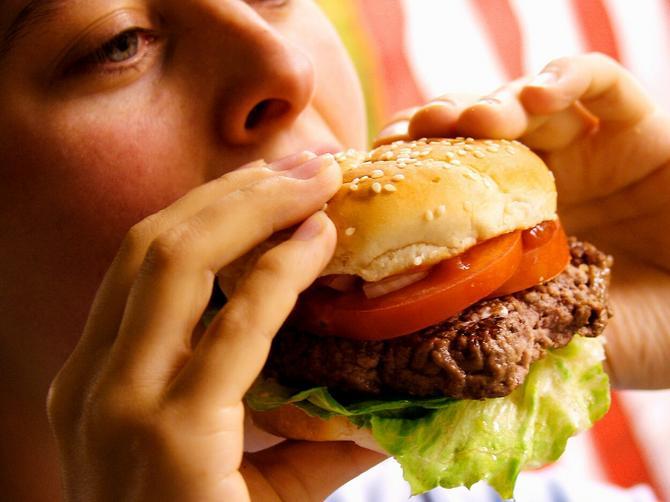 """Naučnici DOKAZALI: U mozgu postoji """"prekidač"""" za sagorevanje masti"""