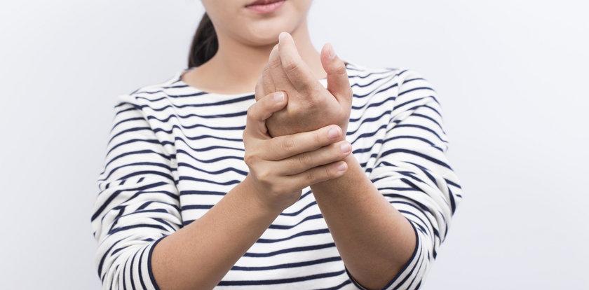 Chcesz pokonać ból stawów? Zacznij to jeść