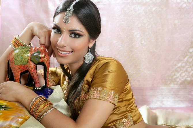 Indijke znaju kako da iskoriste biljke u službi lepote