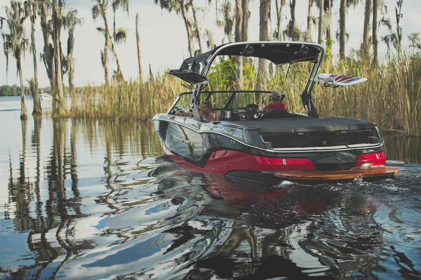 Wicemistrz świata płynął nową łódką. Jak sprawdziła się na wodzie?