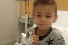 MALI DUŠAN HEROJ BOLNICE U BARSELONI Otac: Ima bolove i prima morfijum, ali preglede DOBRO PODNOSI