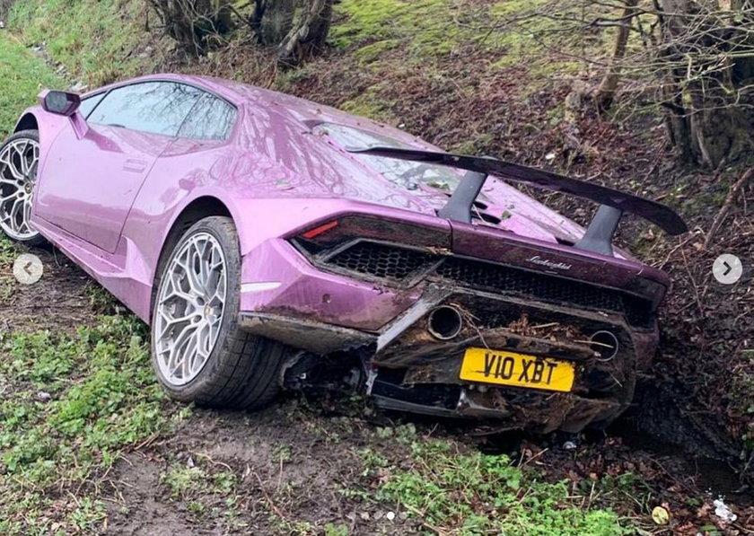 Wielka Brytania: Kierowcy w szoku. W rowie było Lamborghini