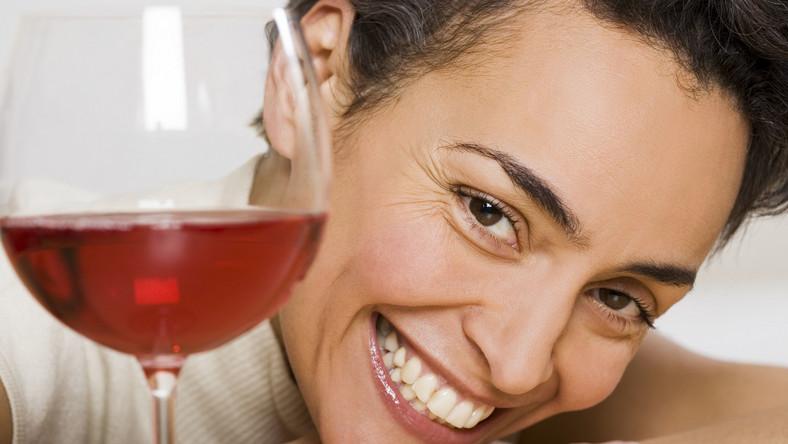 Kobieta i wino