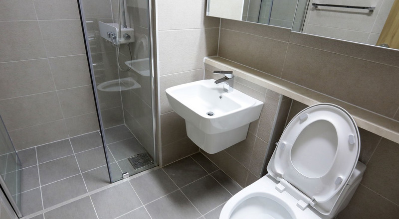 7 common mistakes you probably make in the bathroom