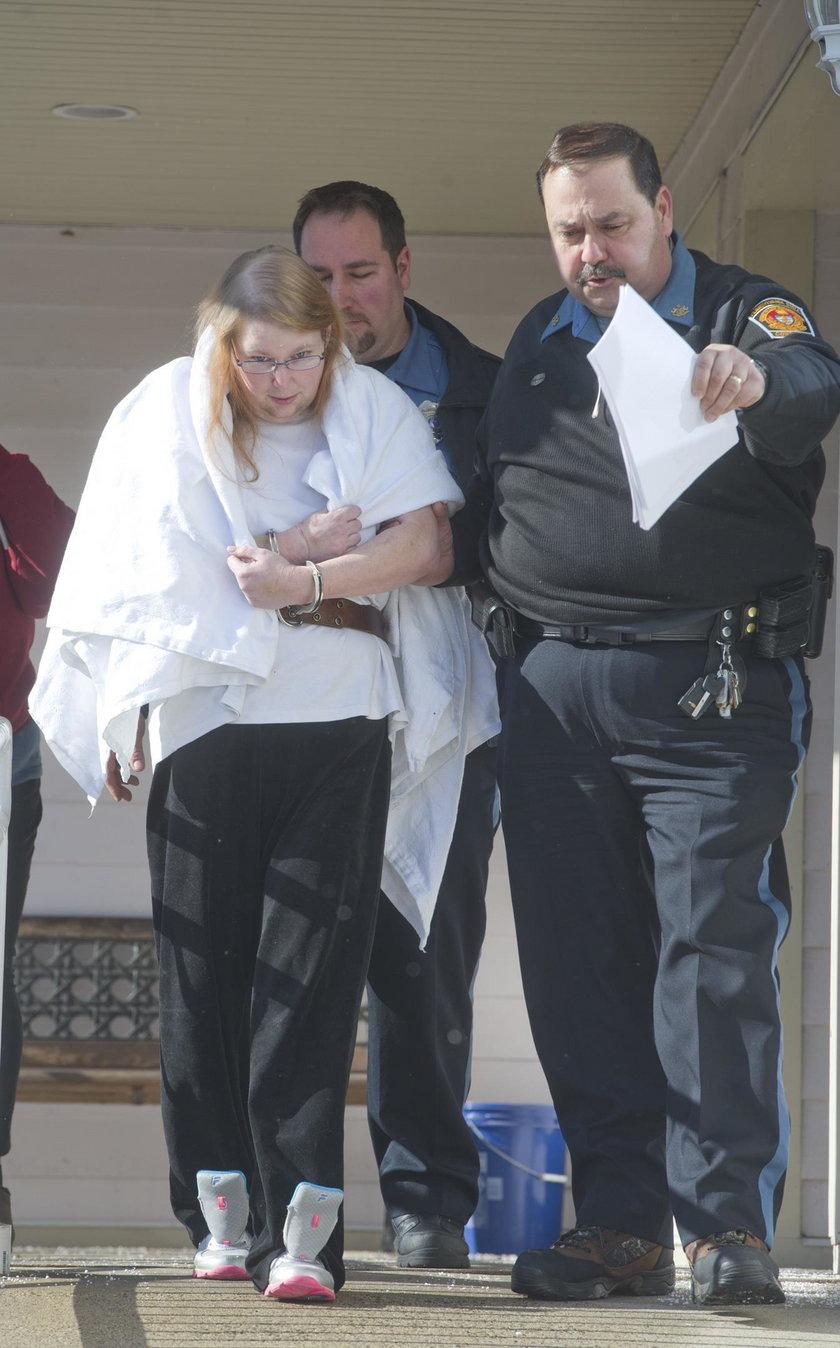 USA: Zgwałcił i zamordował adoptowaną córkę. Jej zastępcza matka tylko patrzyła