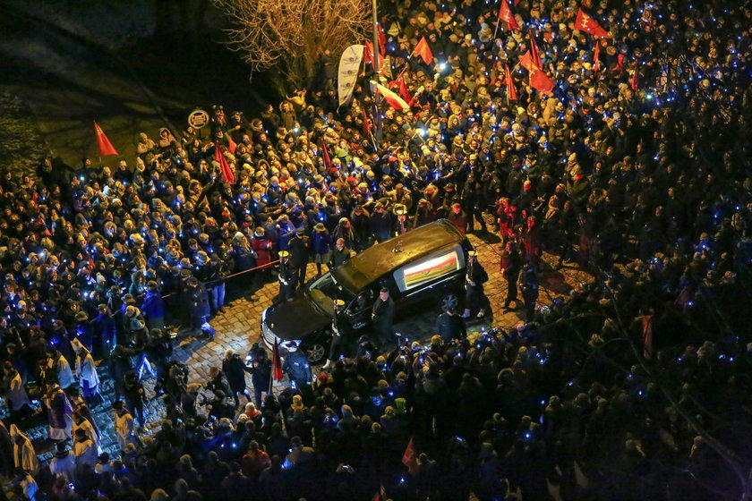 Zmarłego prezydenta żegnały tłumy gdańszczan