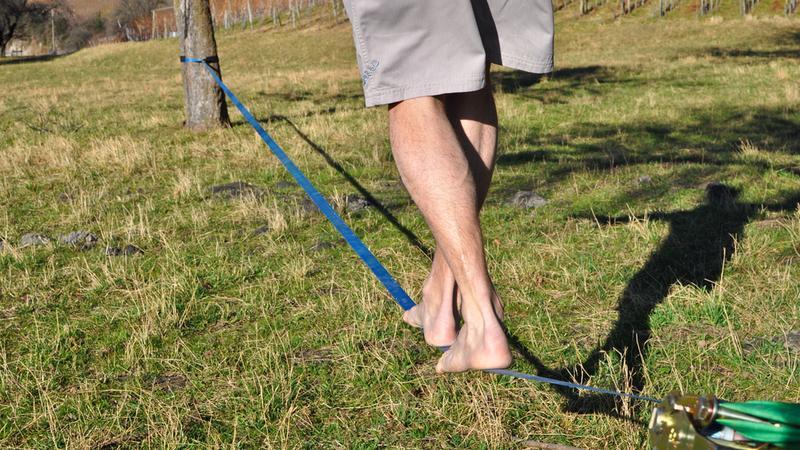 Slackline - chodzenie po linie