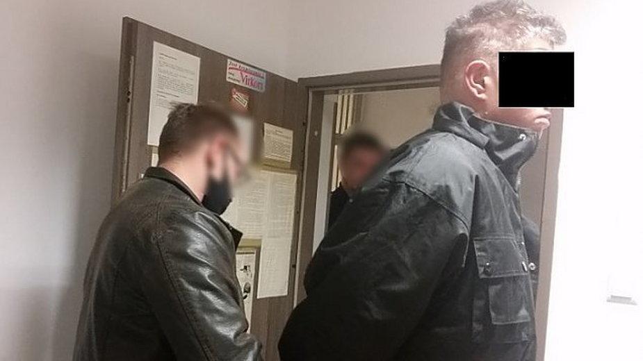 Absurdalna kradzież w Warszawie. Dostawca ukradł skuter i trzy pizze, źródło: KSP