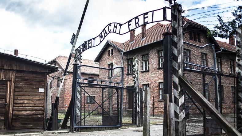 Kontynuacja Głośnego Tatuażysty Z Auschwitz Znów Wzbudzi