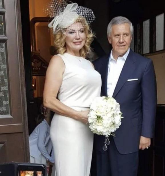 Suzana Mančić i suprug Simeon na venčanju