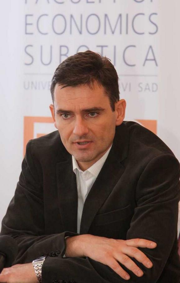 Dekan Aleksandar Grubor