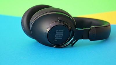 ANC-Kopfhörer JBL Club 950 NC im Test: Wuchtig mit ANC