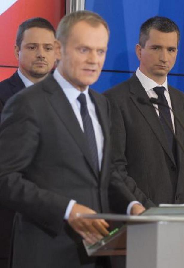 Tusk i nowi ministrowie: Elżbieta Bieńkowska, Rafał Trzaskowski i Mateusz Szczurek
