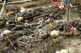 ratni zlocini05 srebrenica foto Wikipedia Adam Jones Adam63