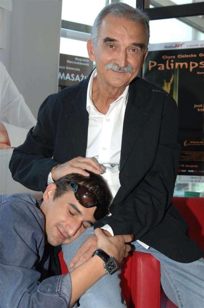 Misiek Koterski z ojcem na terapii