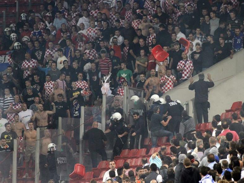 Zamieszki podczas piątkowego meczu eliminacji piłkarskich mistrzostw Europy z Chorwacją w Pireusie