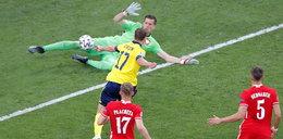 Tak Szwedzi dobili naszą drużynę. Piłkarz przeciwnika ośmieszył polską obronę. WIDEO