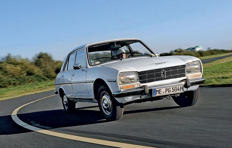 Z powodu wysokich cen benzyny Peugeot już  w latach 50. postawił na diesla. Poza rodzimym rynkiem dopiero jednak wysokoprężne 504 D odniosło sukces.