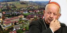 Tajemnica kardynała dzieli jego rodzinną wieś
