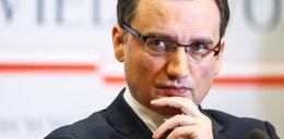 Skandal w resorcie Ziobry! Dyrektorzy ustawili przetarg?