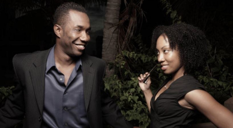 5 surprising signs that someone is in love you