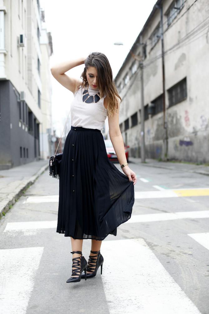 Suknja i polurolka: