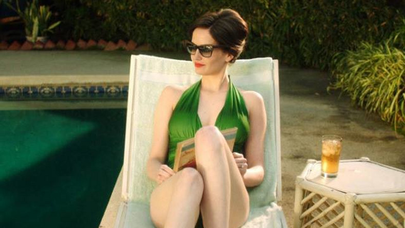 "Eva Green w filmie ""White Bird in a Blizzard"""