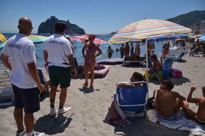 Kontroila mera na plaži u Kampaniji