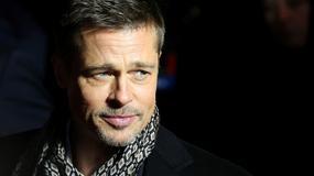 Brad Pitt turla się po pustyni. Przedziwna sesja aktora