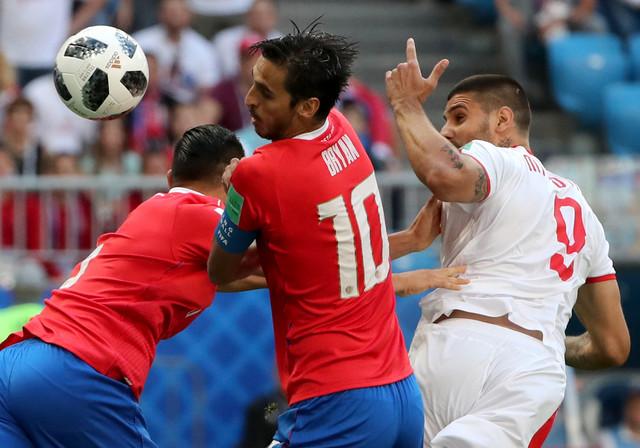 Mitrović u duelu sa Kostarikancima