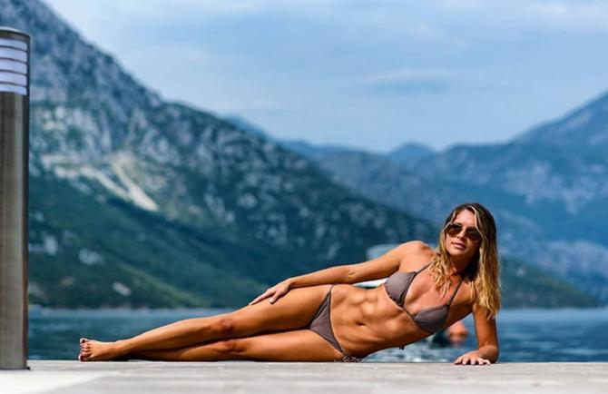 Tijana Savić u kupaćem kostimu