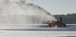 Tak lotnisko walczy z zimą!