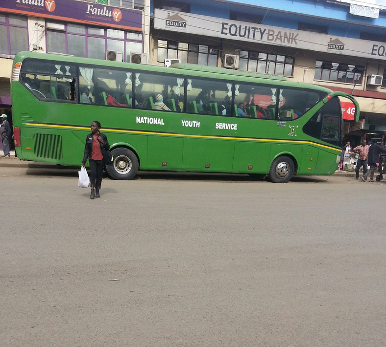 A NYS bus picking passengers in Nairobi. (Twitter)