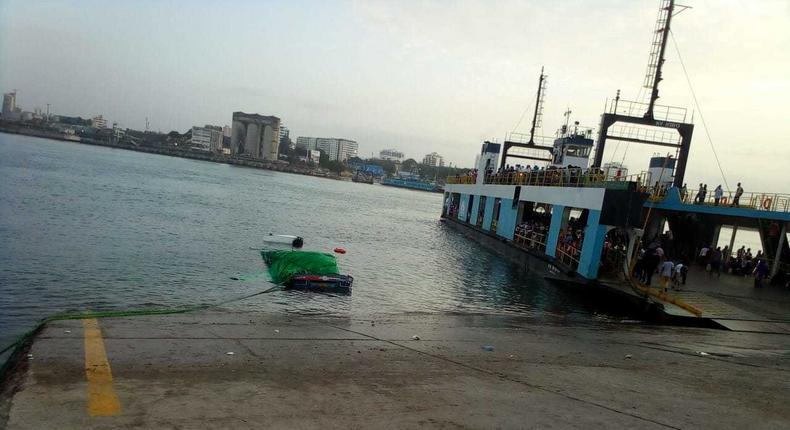 Trailer plunges into the Indian Ocean (Photo/Courtesy)